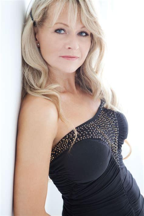 Hot nude older models